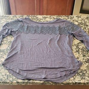 Grey 3/4 sleeve shirt